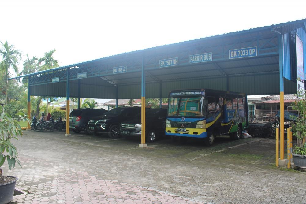 Area Parkir Luas