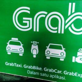Penandatanganan Kerjasama  Universitas Medan Area dengan Grab,  Transportasi Asrama Kampus Makin Gampang !