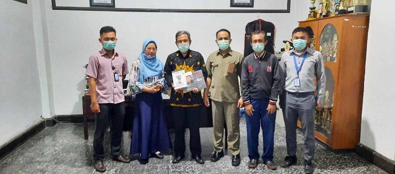 Universitas Medan Area Menerima 150 Buku dari Bank Indonesia